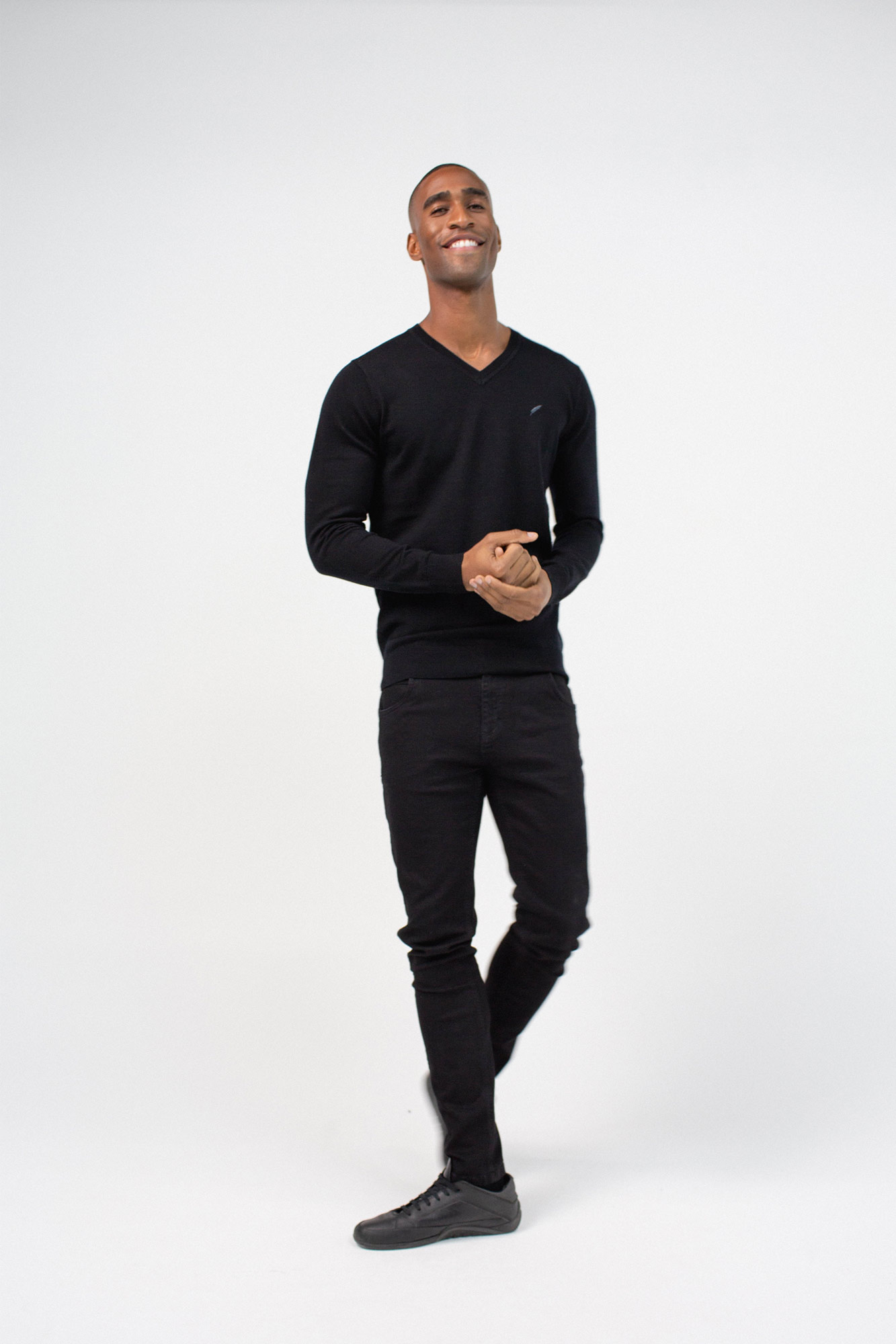 BenedictRaven Studio 0187 1 - Eton V Neck Black